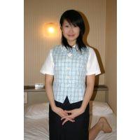 女子大生のベージュの下着とOL制服(PIC-01)