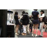 【個人撮影】イベントコンパニオンの生パンチラ24