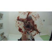 生のサンマを踏み潰し血と内臓をひねり出すドSのOL