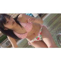 プールサイドで濡れる美少女達NO-1