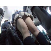 <ぱんちら>バスの女子○生 05