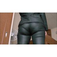 黒パンツスーツ�