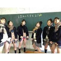 【大特価!!100枚】ピチピチのミニスカ制服姿の日常生活!!030