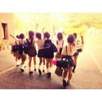 【大特価!!100枚】ピチピチのミニスカ制服姿の日常生活!!048