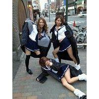 【大特価!!100枚】ピチピチのミニスカ制服姿の日常生活!!049