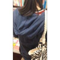 【無料】1人で買物に来ていた黒髪