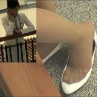 ☆動画☆ヘルスセンター受付嬢のパンプス脱ぎ 2