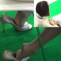 ☆動画☆ショッピングモール店員の靴脱ぎ7シーン