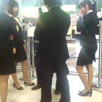 ☆動画☆駅で待ち合わせ中のOL