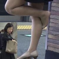 ☆動画☆駅や電車内のパンプス脱ぎ5シーン