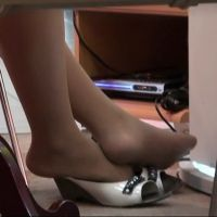 ☆動画☆パンプス風サンダル脱ぎの足の裏