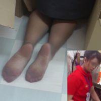 ☆動画☆床にひざまずいた時に見える足裏の魅力2