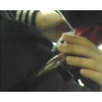 電車で女の手に勃起チ○ポ押付けVol.14〜小悪魔JなKの電車内自分こすり。小傘で男根女陰同時愛撫〜