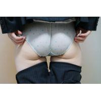 【後輩シリーズ】(パンモロ)むっちりパンツスーツのお尻8