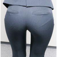【後輩シリーズ】むっちりパンツスーツのお尻26