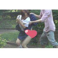 後追い「鬼畜映像」 めくって逃げろ! 女子高生スカートめくり パンチラダッシュ!  Vol12