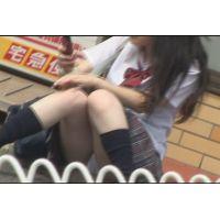 超ミニスカ挑発露出JK パンチラ みき 2/3