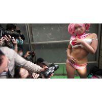 続報!5年に一度の一大コスプレイベント、元グラビアアイドル乱入の衝撃映像!(3/3)