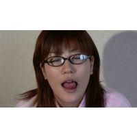 【電子写真集】キス顔マニア 私服に眼鏡の田中の地味ファッション長い舌キス顔!編
