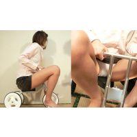お姉さんの二輪車・三輪車 キレイな脚のさえちゃんがミニスカートで3輪車に搭乗!マン土手・モリマン・恥丘編【電子写真集】