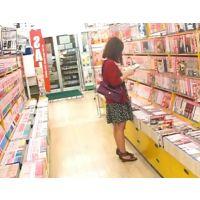 立ち読み中の女の子を逆さ撮り黒のパンチュ【ロリ動画】14と13セット販売