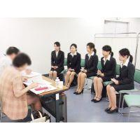 就活応援☆リクルートスーツで頑張ってる女子大生画像 JD 新人OL リクスー(21)