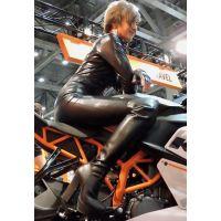 2015モーターサイクルショーピチピチライダースーツコンパニオン【動画】イベント編 1201