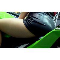 2015モーターサイクルショーエロ尻左斜め後ろから【動画】イベント編 1286
