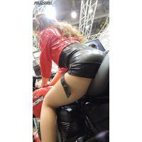 2015モーターサイクルショー今度は赤色のバイク【動画】イベント編 1242