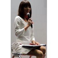 2015モーターサイクルショー全身白でトークショーコンパニオン【動画】イベント編 1208と633セット販売