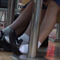 【動画】白ソックスの女学生