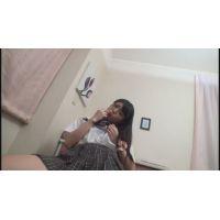 女子●生しゅりちゃんの自画撮りオナニー