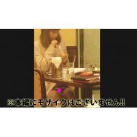 【原盤】喫茶店で向かいに座った清楚系ギャルのパンチラGet♪
