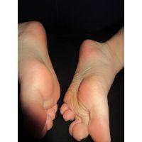 �JK3 足の裏、靴下の写真