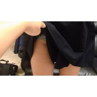 Eカップ女子大生 学生時代の制服でキャロットスカートめくり 第1弾