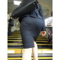 【リクスー】オフィス街で働くタイトスカート女子 その2