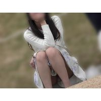 【お花見シリーズ007】 【4K】白スカートコーデの生脚清楚女子