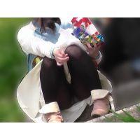 【お花見シリーズ003】 ああ青春の階段座り女子