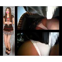 【HD接近逆さ撮り Vol.16】黒目がちなキャバ嬢のデート中生パンチラ(顔有り)