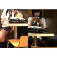 【パンモロ】JK風の女がファストフード店風の店内でパン見せ