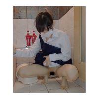 ●C-2 小便放尿 精液もちゃんと出さないと 困り顔おしっこ エロ動画