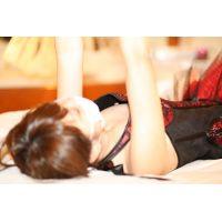 【しほ】保育士24歳の冒険【燃えるような赤い衣装はガバガバ&超ミニ】---shiho-09