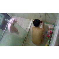 上から風呂をのぞく2