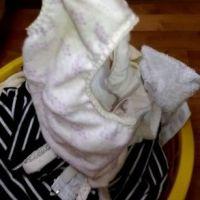 【盗撮】実家の洗濯機横のカゴに脱ぎ捨てられた『妹』の服・下着・パンティ(シミパン)をチェック? 3回目