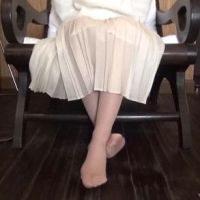 【脚/足フェチ】打ち合わせ中のモデルの脚 No.1
