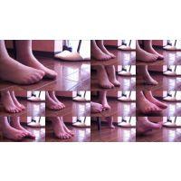 【身体のパーツ・フェチ:足/脚】打ち合わせ中のモデルの足/脚2@素人美人モデル個人撮影会