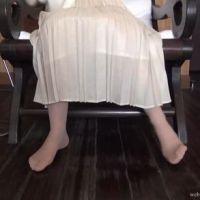 【脚/足フェチ】打ち合わせ中のモデルの脚 No.1[2/2]