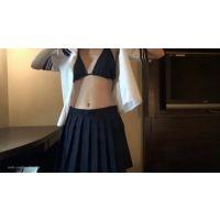 【無料動画】かわいいセーラー服コスプレ(半袖)着替え 〜黒いビキニの水着から〜