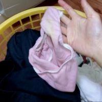 【盗撮】実家の洗濯機横のカゴに脱ぎ捨てられた『妹』の服・下着・パンティをチェック? 2回目
