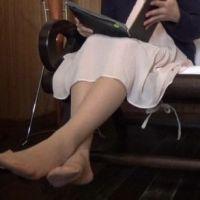 【脚/足フェチ】打ち合わせ中のモデルの脚� [フルHD]